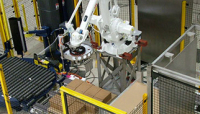 The QComp 5G Palletizer Features a Durable, Robust Robot