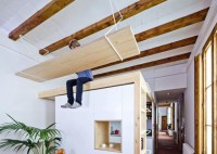 Modern Residence Design With Lots Of Wood And Exposed Beams