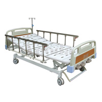 Cama de hospital médico manual de tres funciones con el echador central