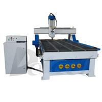 Máquina de gravura do router do CNC usada no Woodworking e no anúncio