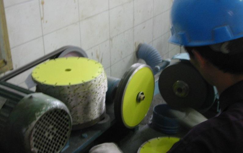 Diamond saw blade - Segment sharping
