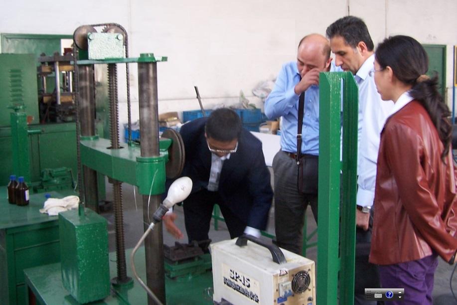 Our client visit our factory.