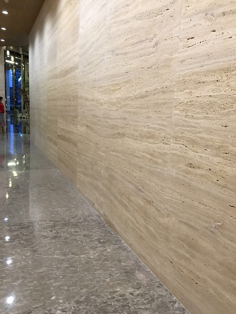 Beige Travertine wall tile for Hotel project
