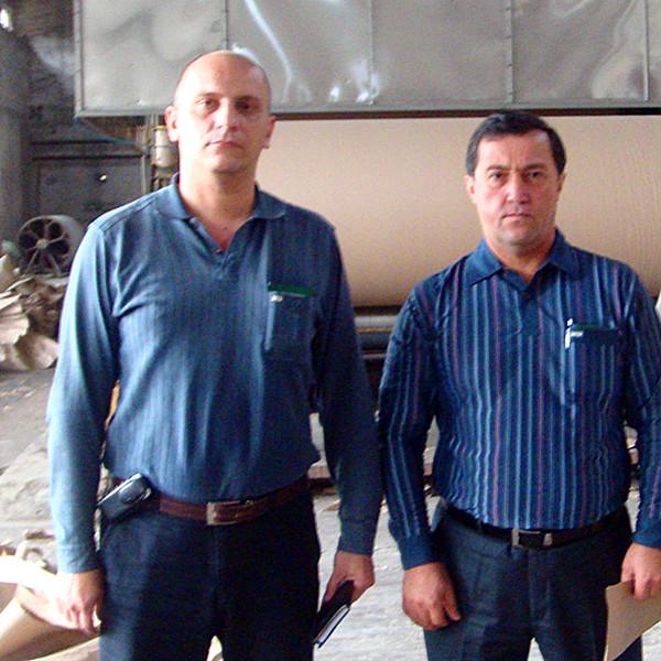 Uzbekistan customers visit the kraft paper production line