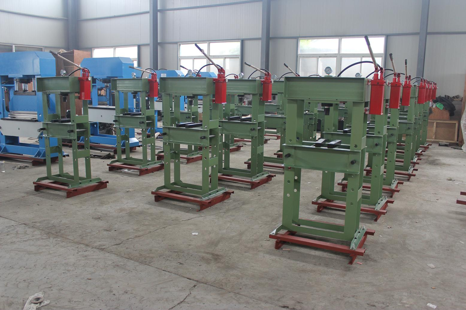 Manual hydraulic press machine