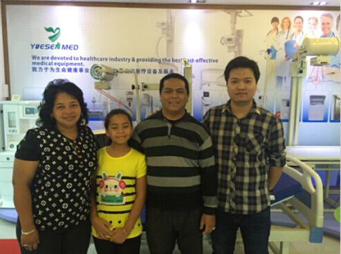 Andy met with Madagascar customer on x-ray room items-24/12/2015
