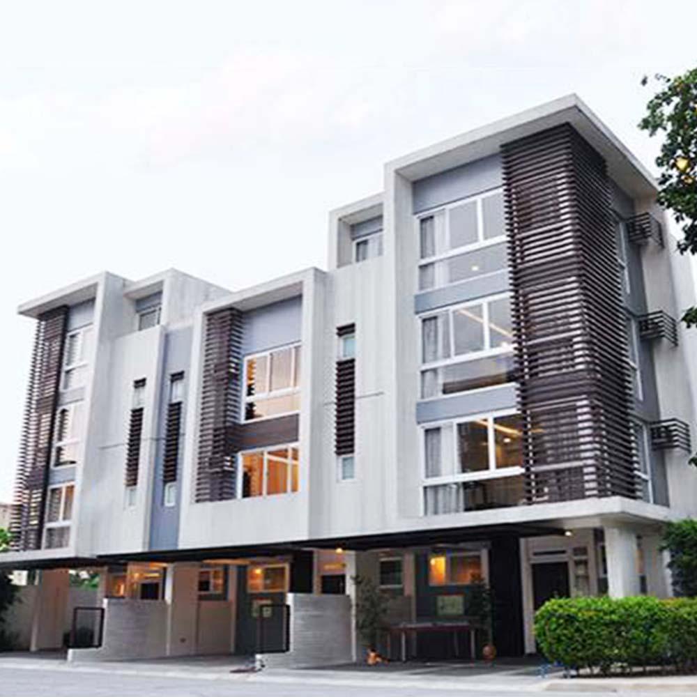 68 Roces Arcade 2, Manila