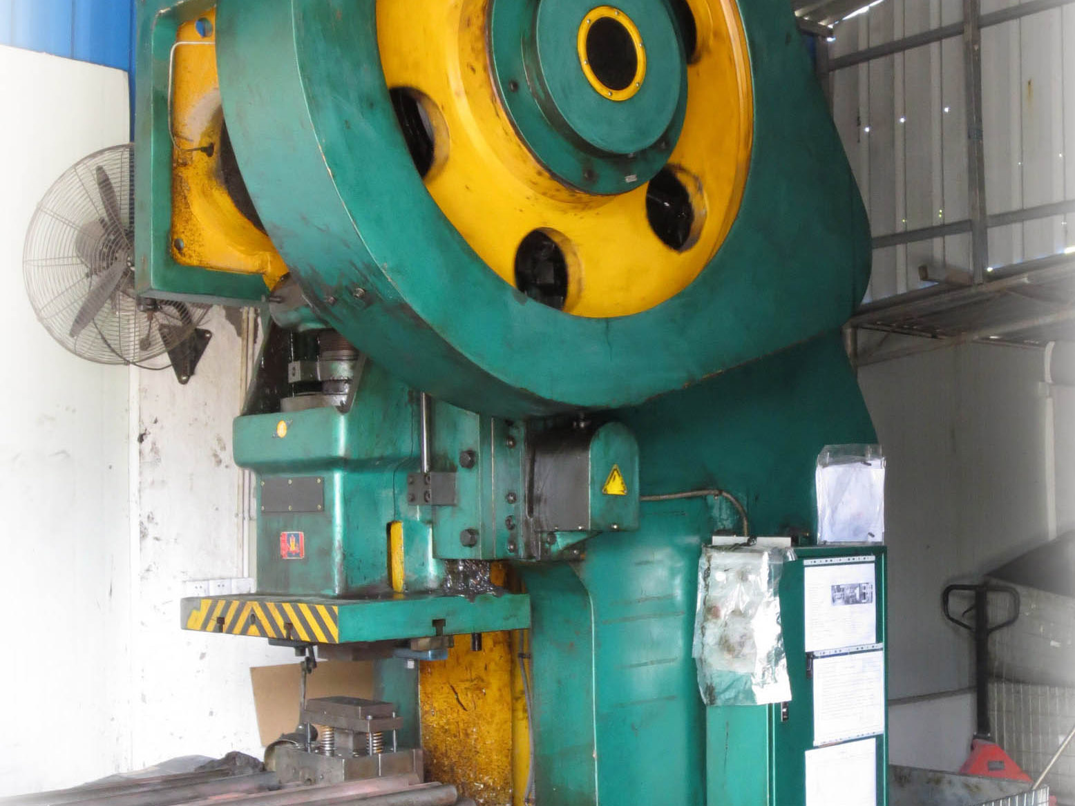 160 Ton Puncher