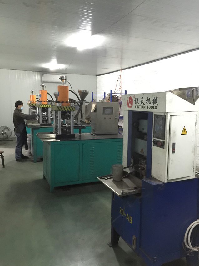 Automatic cooling pressing machine for diamond segments