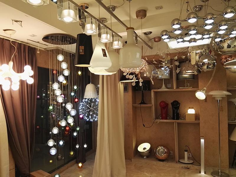 lamp show 8