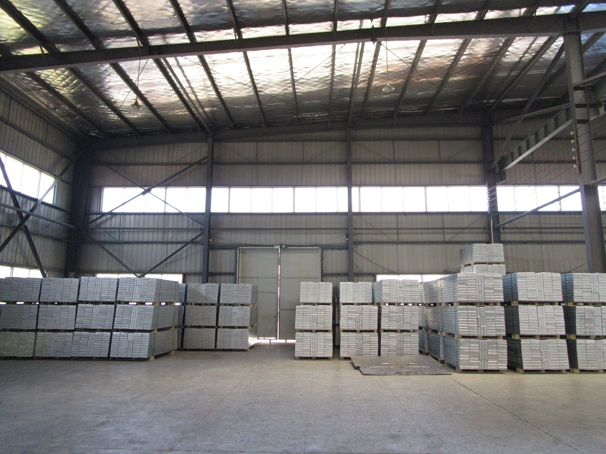 pallet Packing of steel planks/board/decking