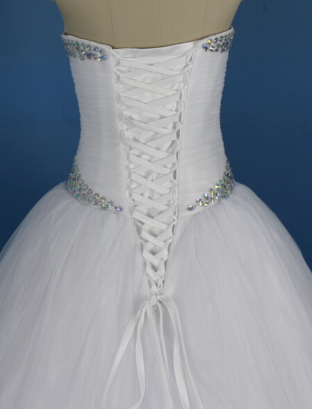 Lace up Back Workmanship on Wedding Dress and Event Dresses