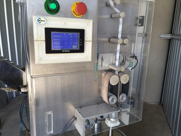 Silica gel sachet inserter machine