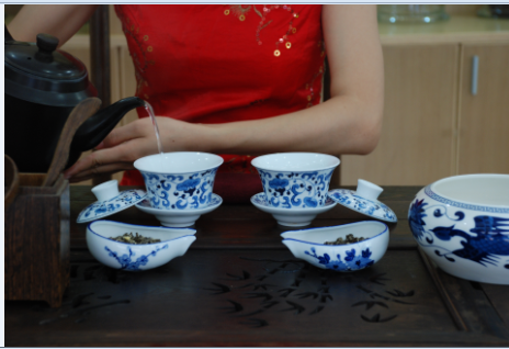 Jasmine Tea brewing art Step 1