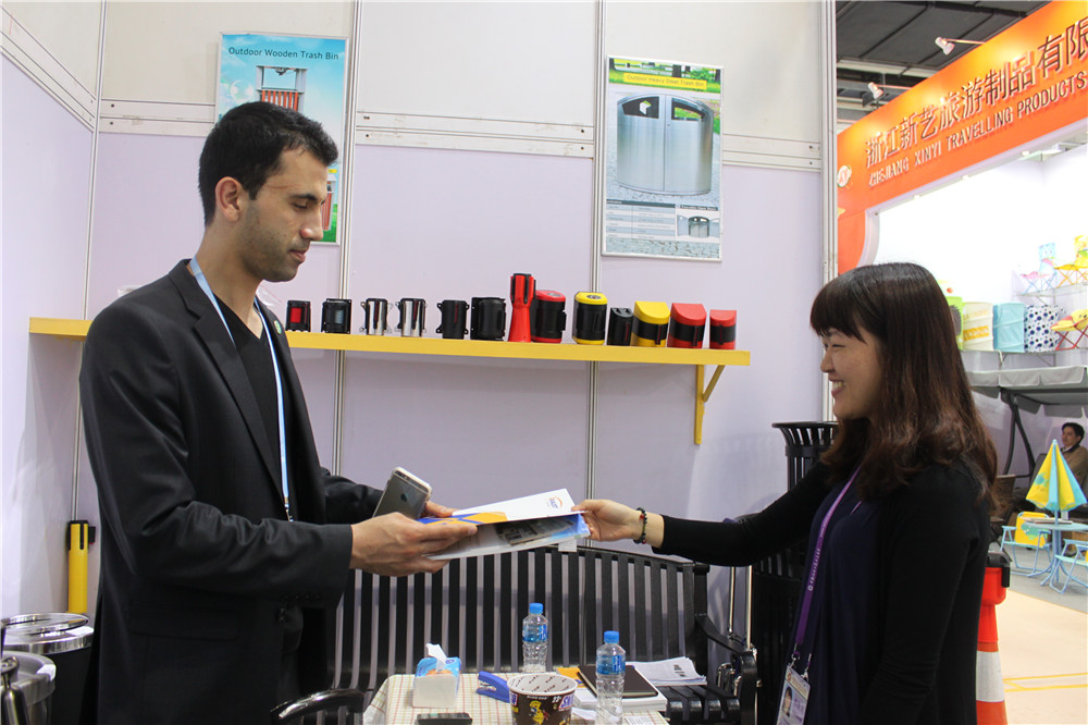 We attend canton fair every year.