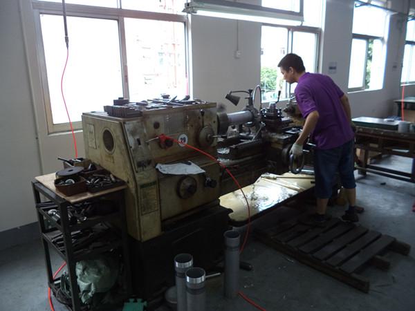 Big lathe machine