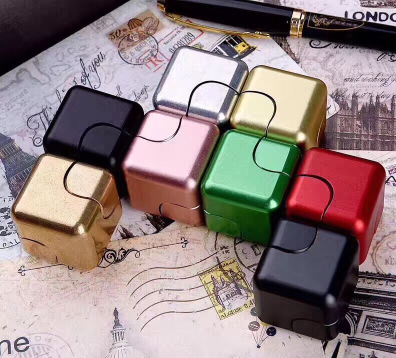 2017 Hot Sell New Type Cube Hand Spinner Fidget Cube Spinner
