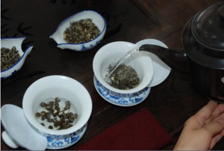 Jasmine Tea brewing art Step 4