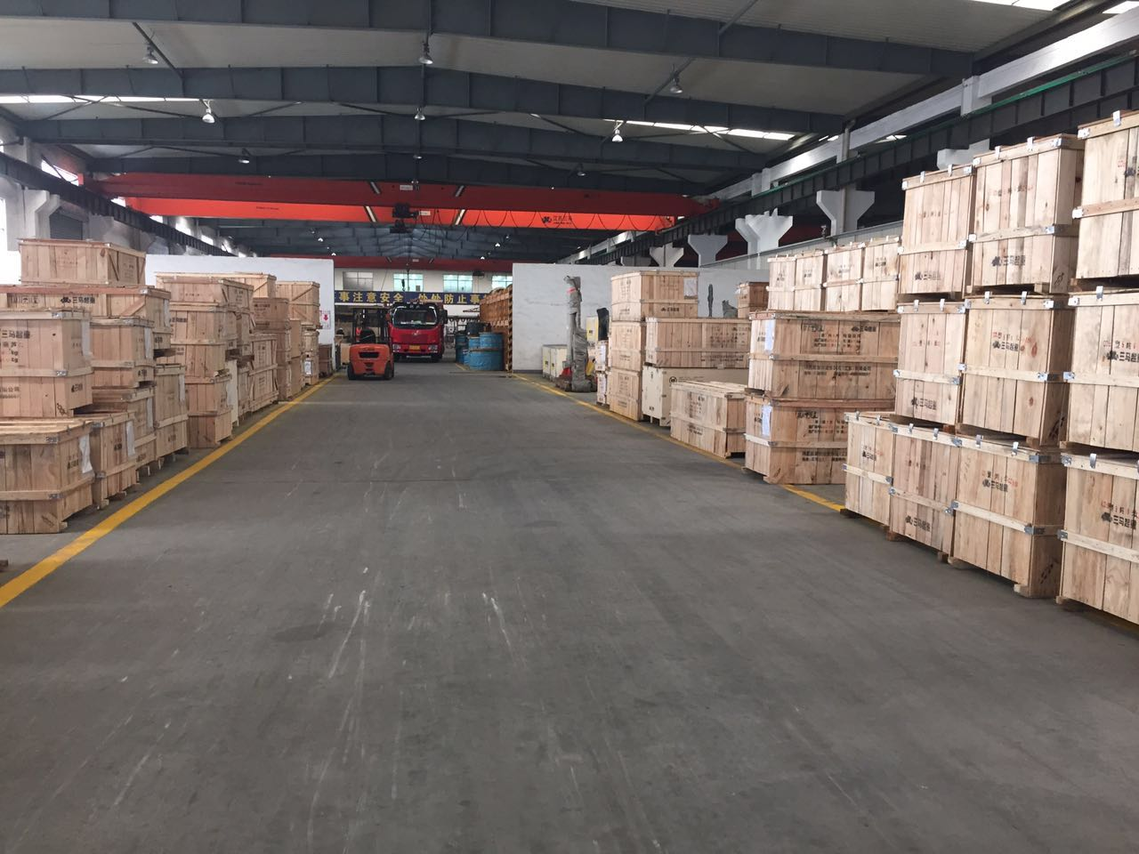 Wire rope electric hoist warehouse