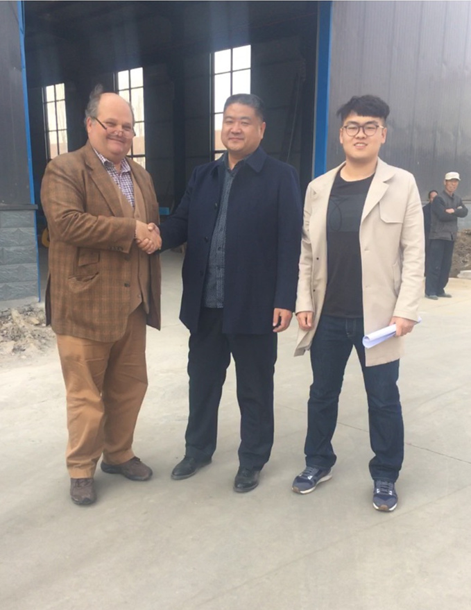USA customers visiting processing line