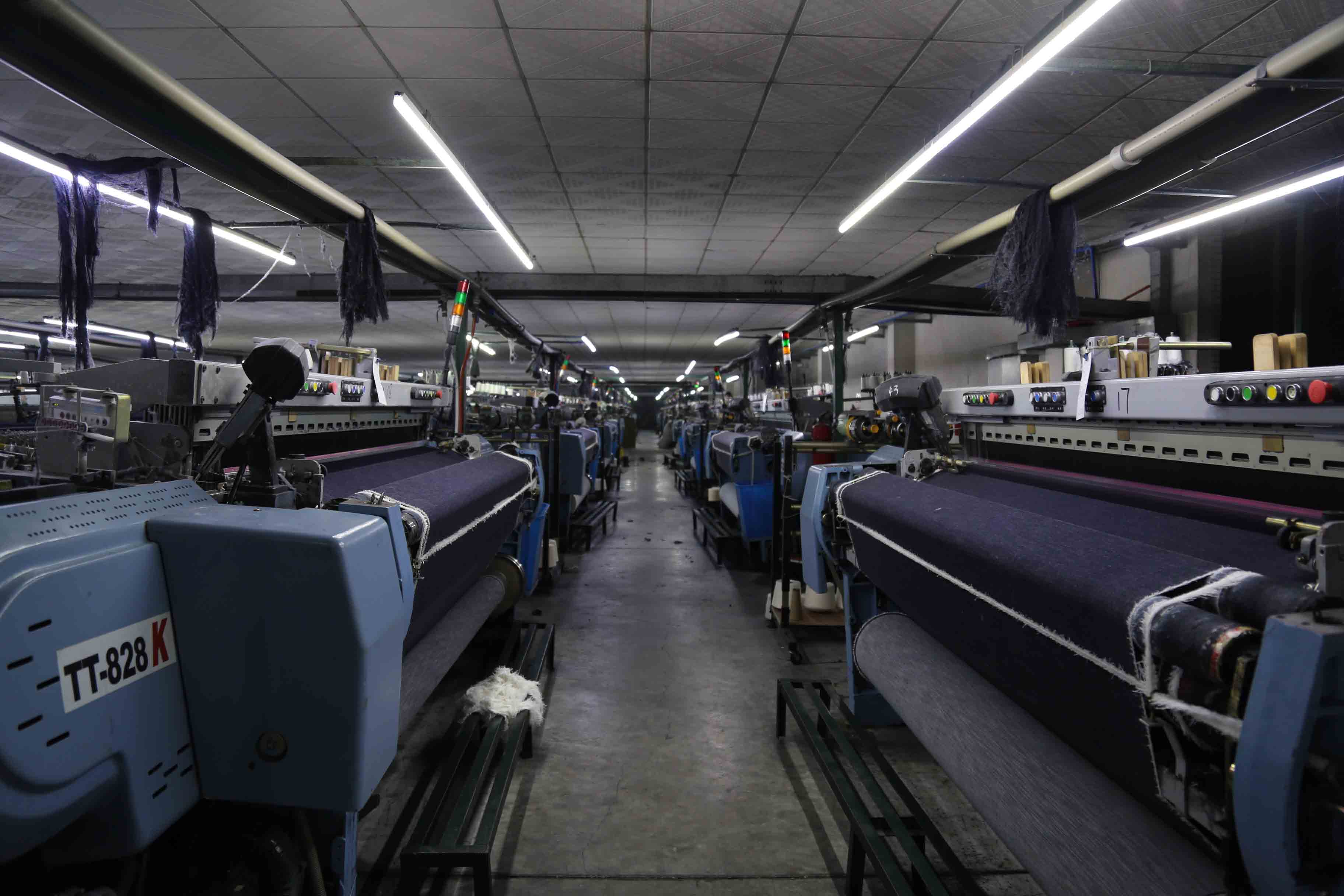 HINTON FACTORY PRODUCE ALL KINDS of DENIM FABRIC