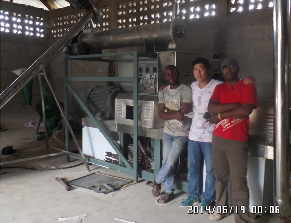 Nigeria customer factory install the fish food machine