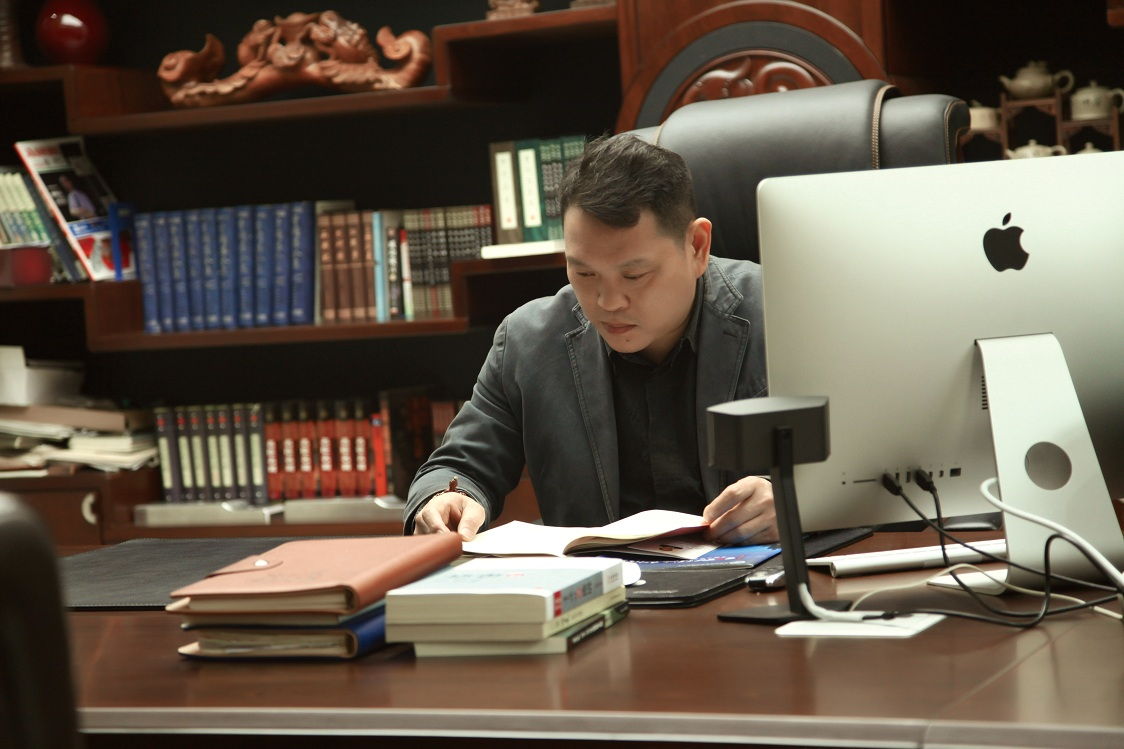 The chairman of Xinyou Locks Co.,Ltd