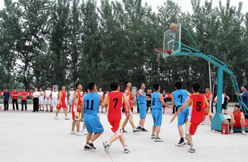 Play basketball with other company