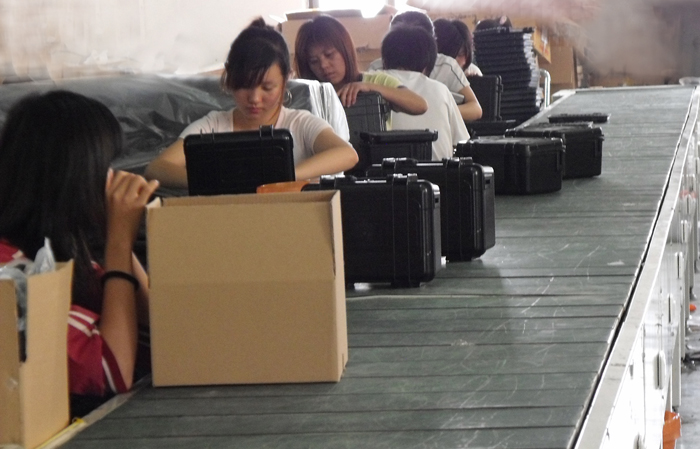 Equipment case Assembly line