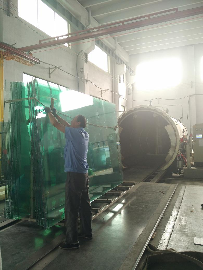 10.38mm clear laminated glass export to Fiji