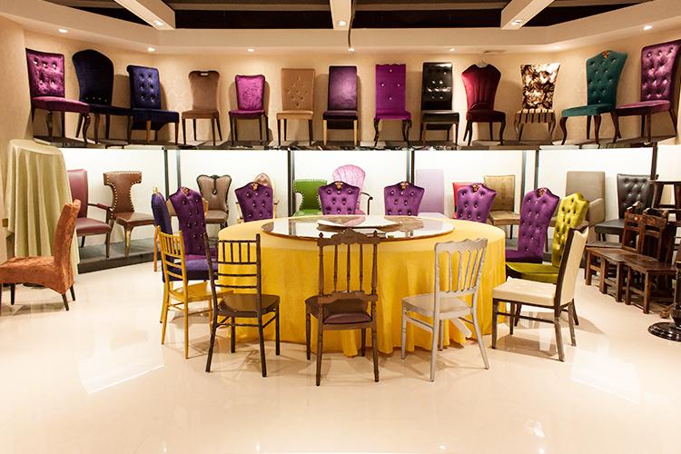 Banquet Chais & Chiavari Chairs