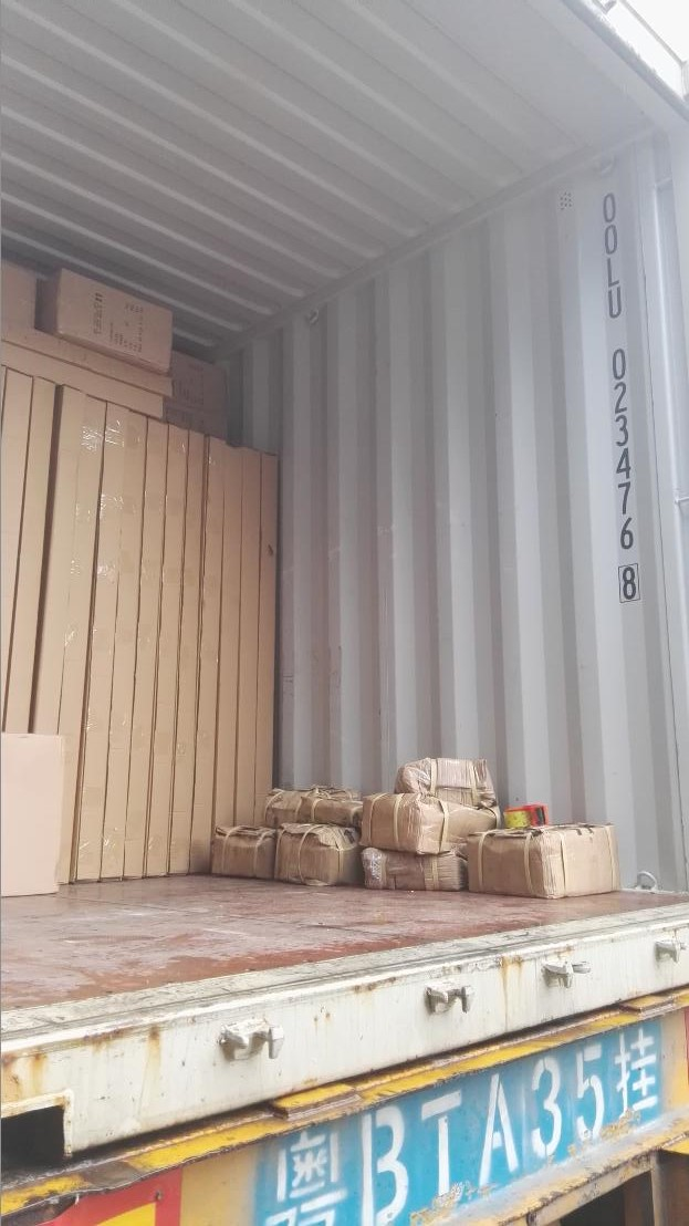 Metal displays packed in 20 feet container for USA