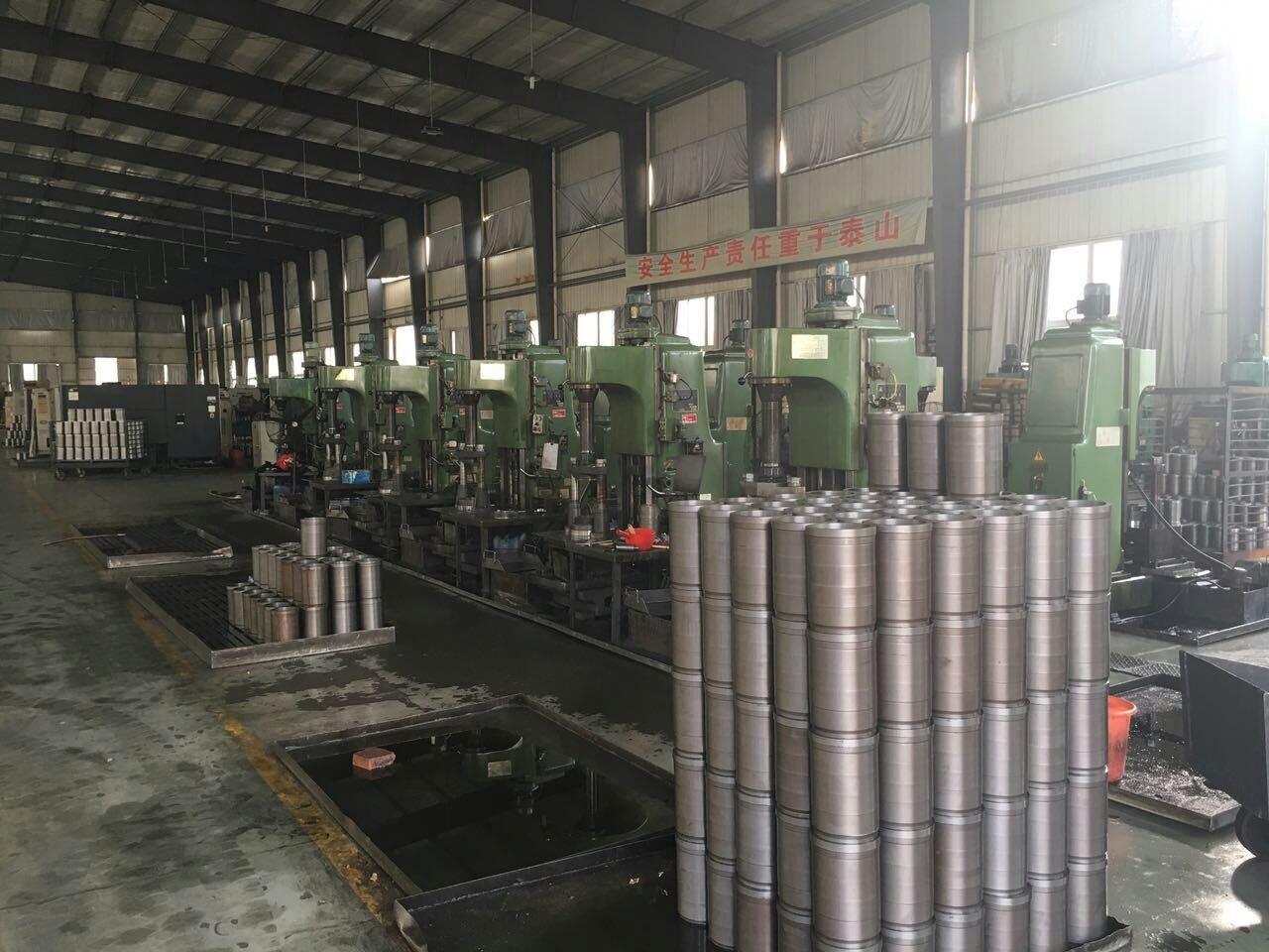 The workshop environmenrt of manufacturing cylinder liner