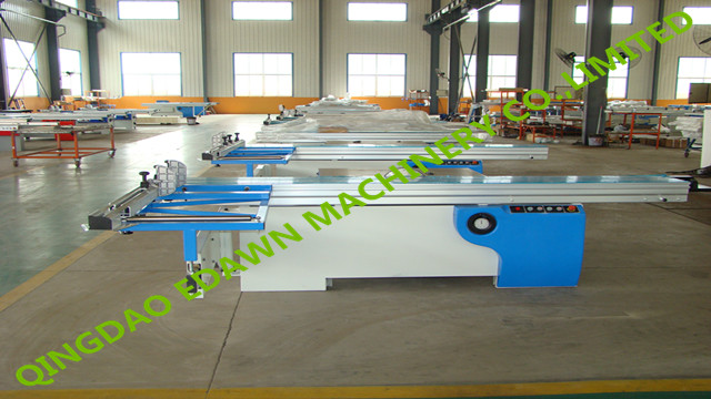 Woodworking sliding table panle saw machinery