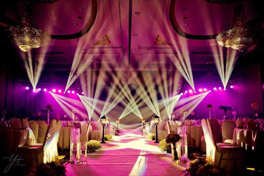 16pcs 7R sharpy and 16pcs 54par lights in wedding