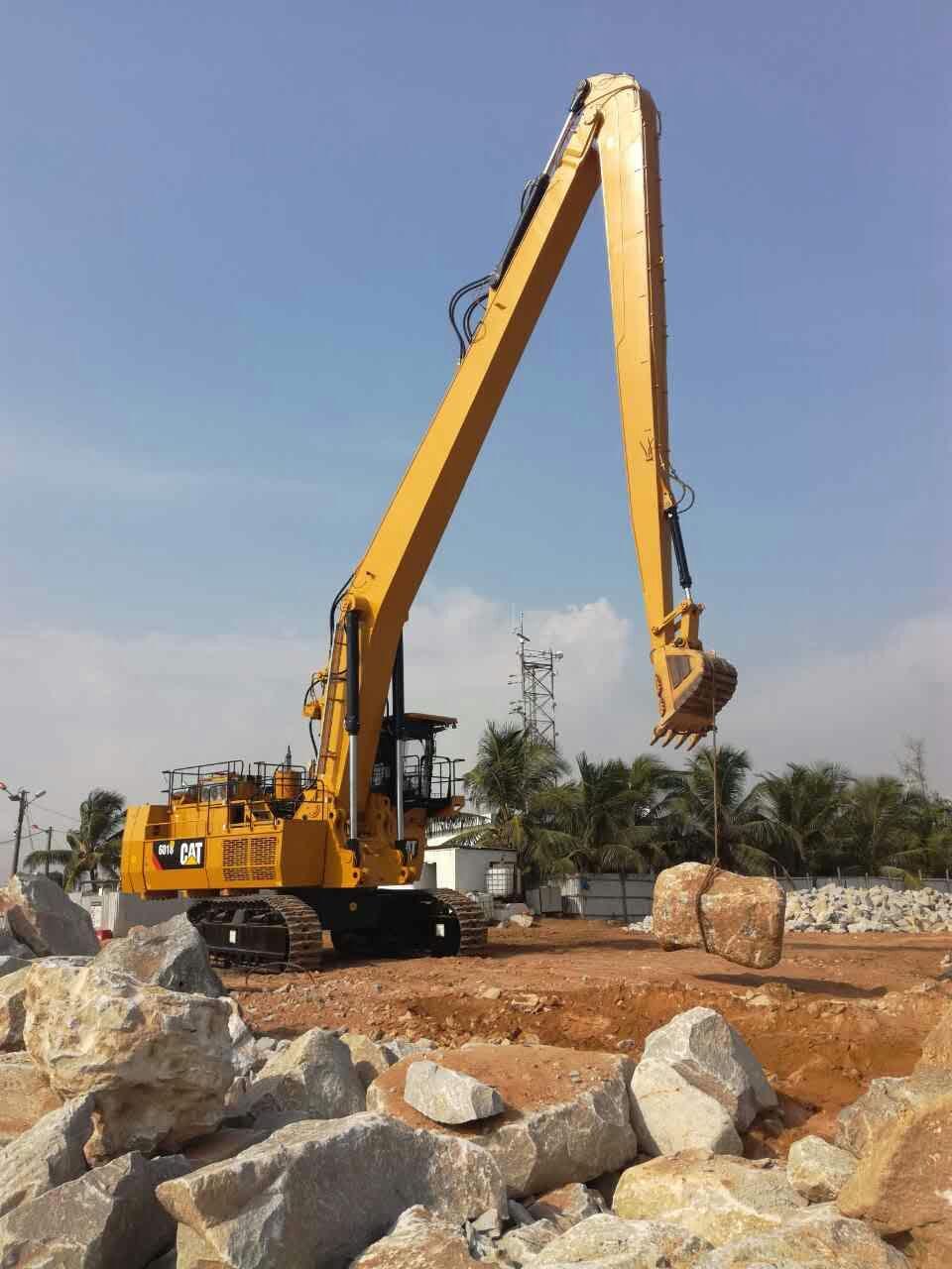 The longest reach boom for the biggest excavator Cat6018