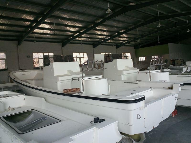 Fiberglass boat workshop