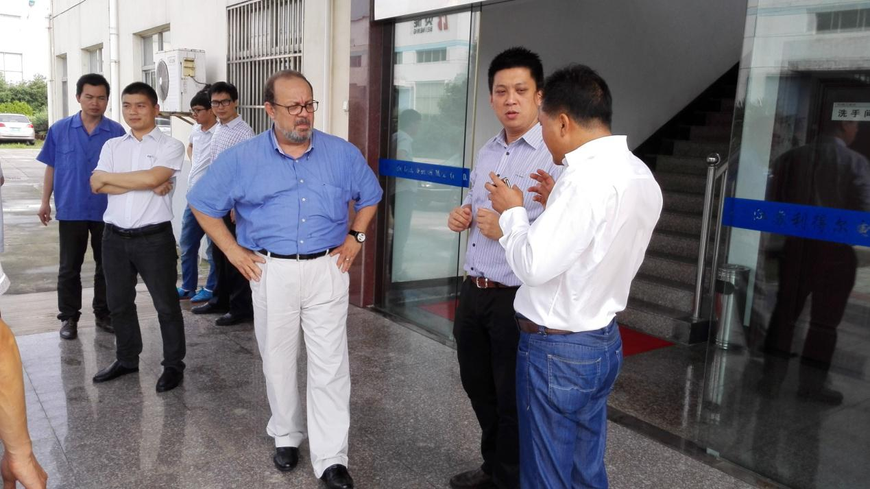 Director of American Flowserve pump company visited our company
