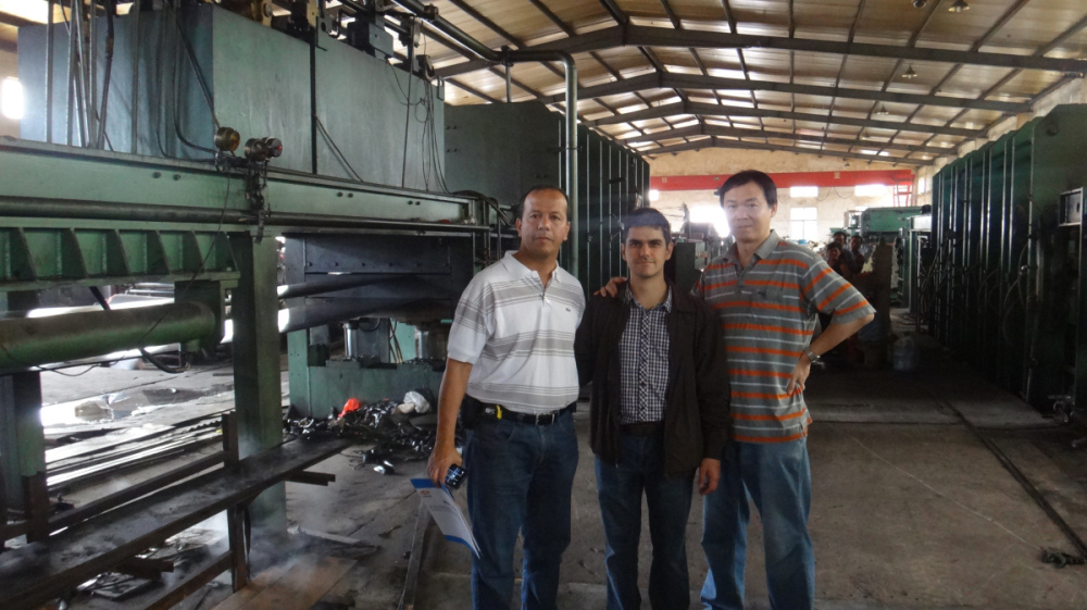 Rubber Conveyor Belt Vulcanizing Press buyer from Vietnam