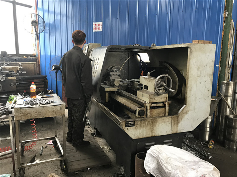 PTFE Ram extrusion machine for rod( lathe process for the machine fittings)
