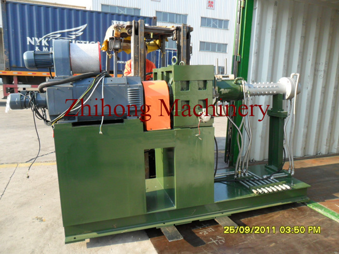 Loading pin barrel cold feed rubber extruder