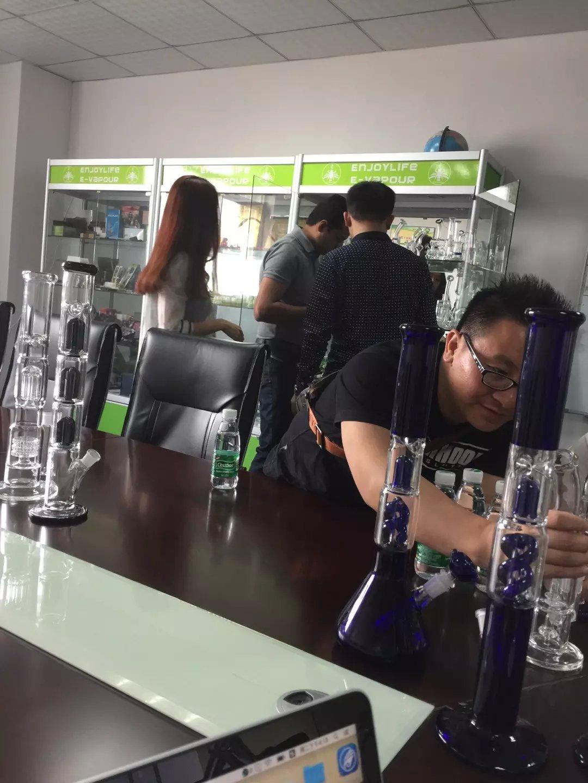Enjoylife usa customer for glass water pipe