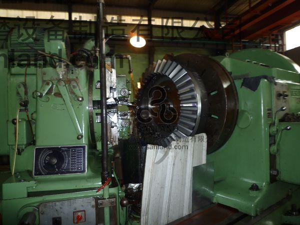 Bevel Gear Cutting Machine