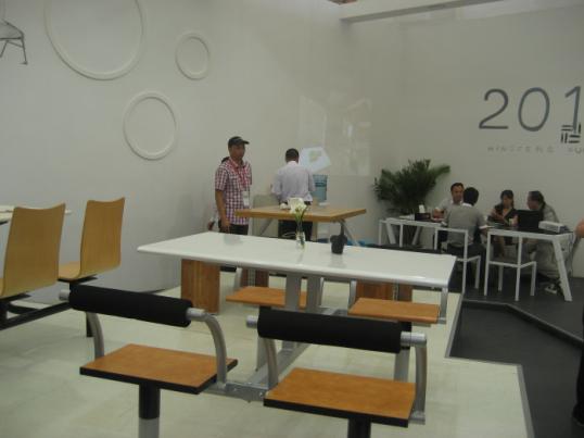 table/restaurant and chair/restaurant table