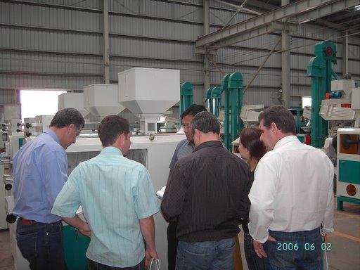 Customers Visit Hunan Xiangliang Machinery Manufacture Co.,Ltd.