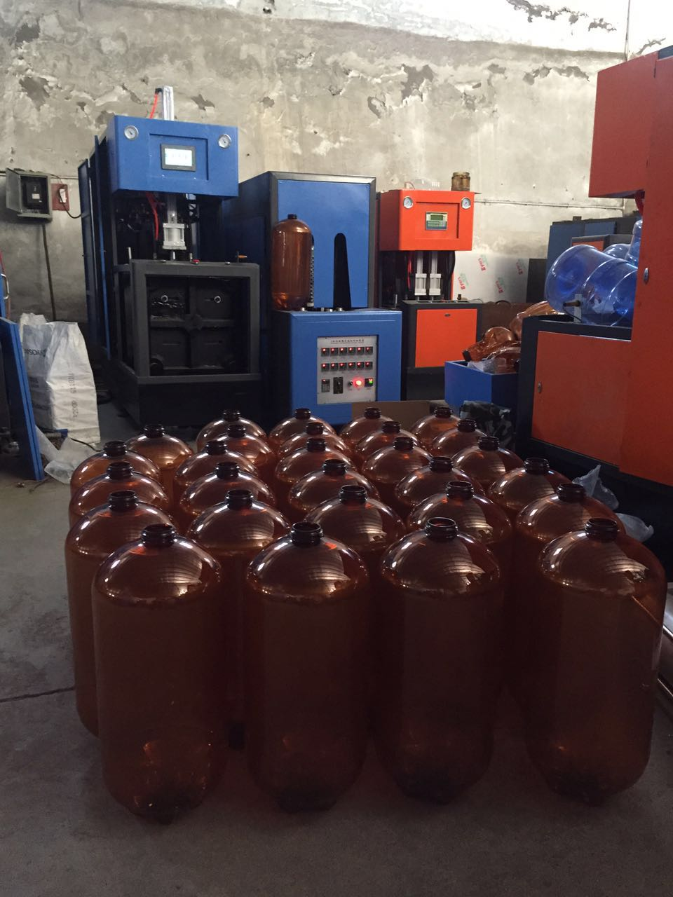 semi automatic blow molding machine for plastic beer bottle