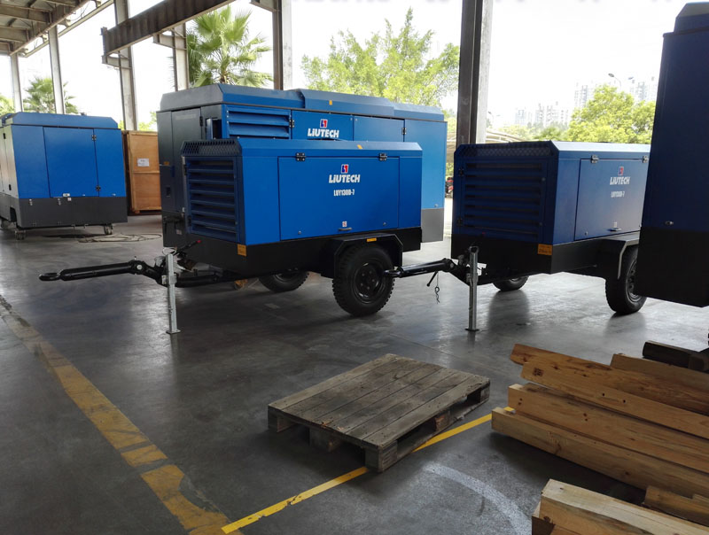 Small electric driven portable screw compressor ready