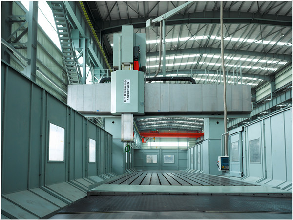 Large five axis CNC gantry machining center