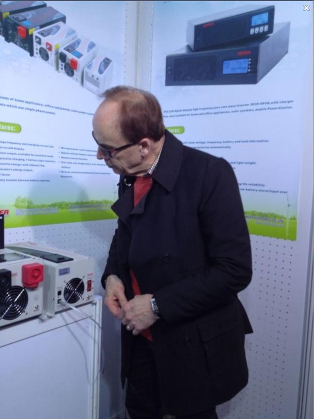 Africa customer visit ZLPOWER testing Inverters