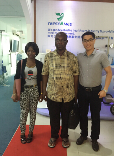 Manager Kevin met Benin customer on x-ray room items